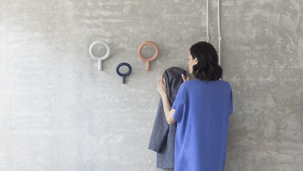 Oblo coat hanger