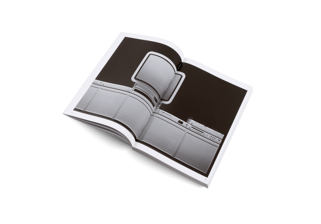 LessButBetter_DieterRams_gestalten_book_design_braun_inside03_2000x-1024x717.png