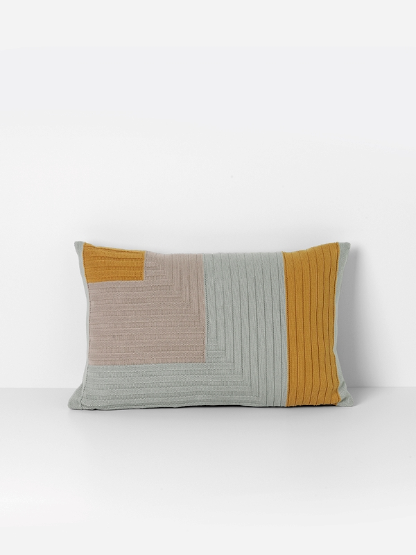 angle-knit-cushion