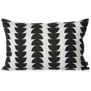 black-semicircle-cushion