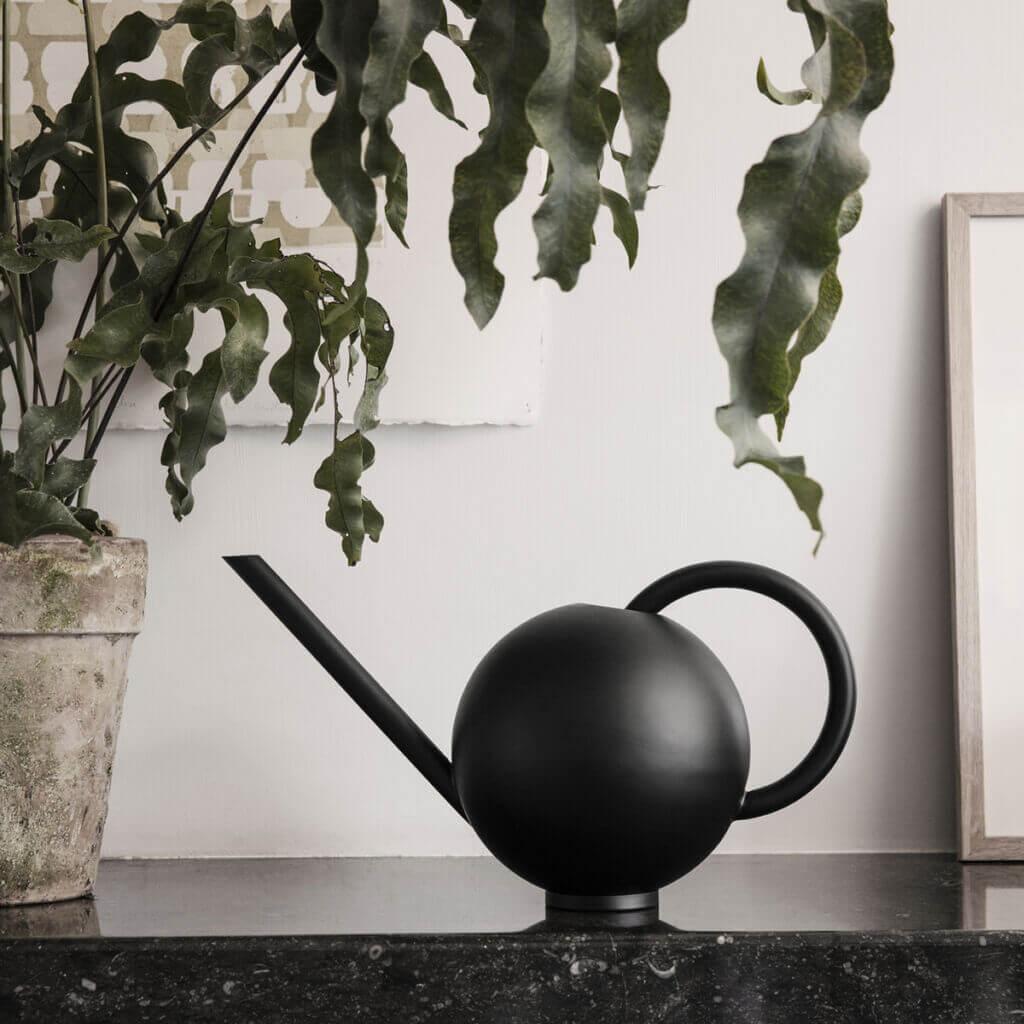 Orb watering can - Black