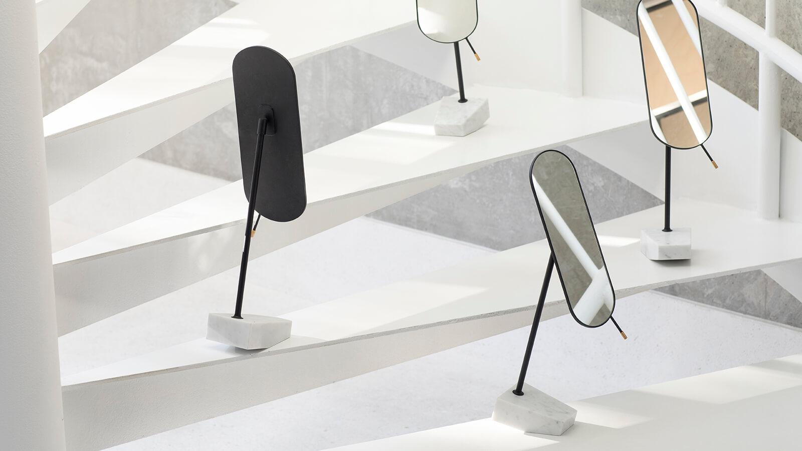 Pendulum Mirror