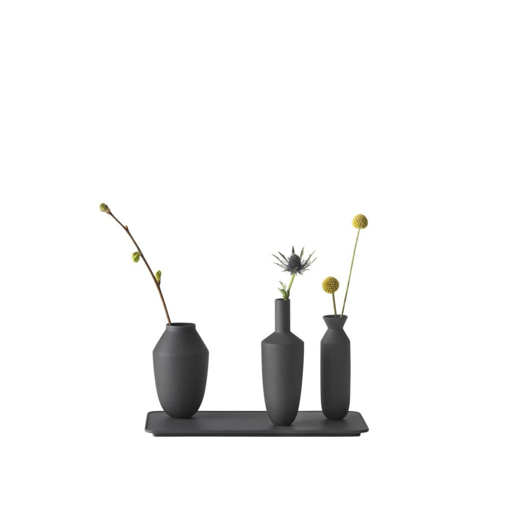 Balance_3vase_set_black_flowers_
