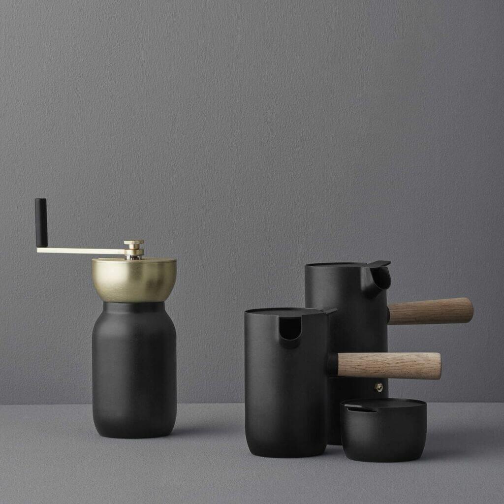Collar milk jug