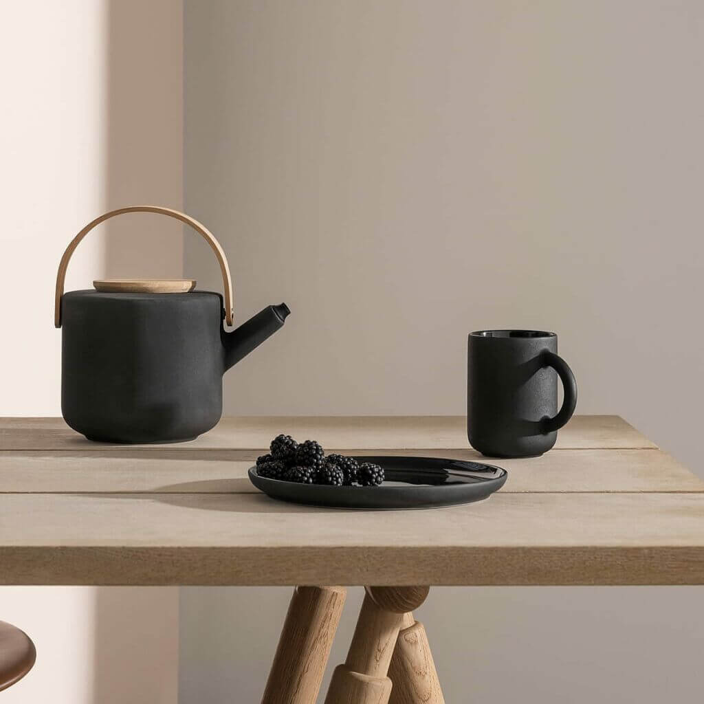 The Theo teapot and Teapot Warmer